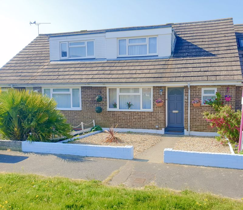 2 bed bungalow for sale in Elbridge Crescent, Bognor Regis  - Property Image 1