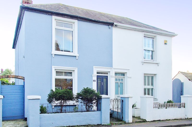 2 bed house for sale in Oving Road, Chichester - Property Image 1