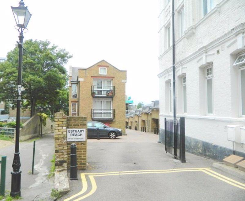 Pleasant Row, Gillingham, ME7