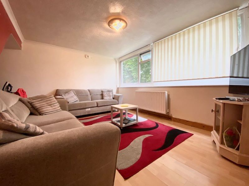 2 bed flat for sale in Wheeler Street, Maidstone  - Property Image 1