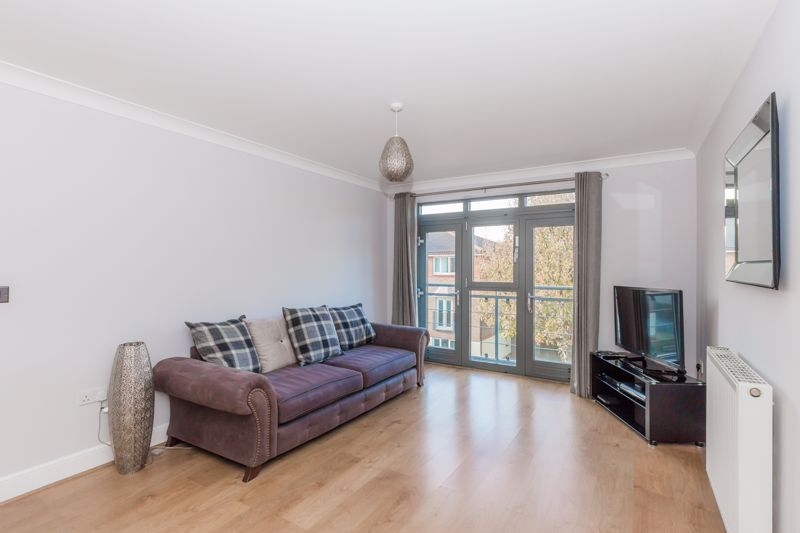 1 bed flat for sale in Hart Street, Maidstone  - Property Image 1