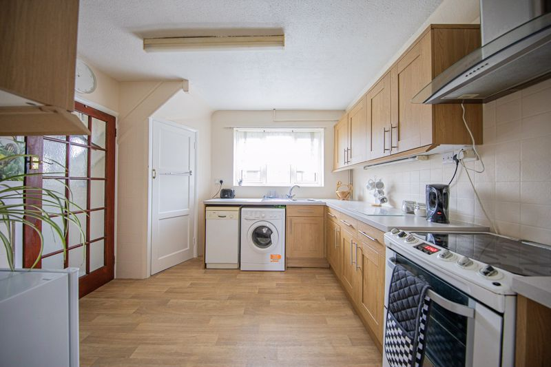 3 bed house for sale in Plains Avenue, Maidstone  - Property Image 1