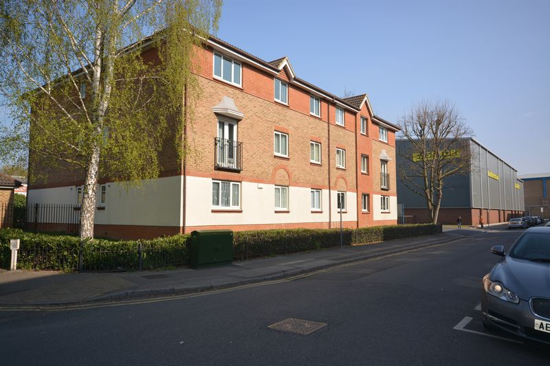 A two bedroom apartment situated within walking distance of Maidstone town centre, with all of the vast amount of amenities it has to offer. It is close to the Cinema Complex in Lockmeadow, a short walk to the local train stations (3  in total) and the glorious walk along the River.<br/><br/>The property complrises a lounge, a fitted kitchen with washing machine, fridge/freezer, oven/hob & dishwasher, two double bedrooms and a bathroom. <br/><br/>Further benefits include an en-suite to the main bedroom, double glazing, gas fired central heating and secure car parking, plus visitors parking<br/><br/>EPC Rating B82<br/><br/>Council Tax Band D<br/><br/>Service Charges Apply