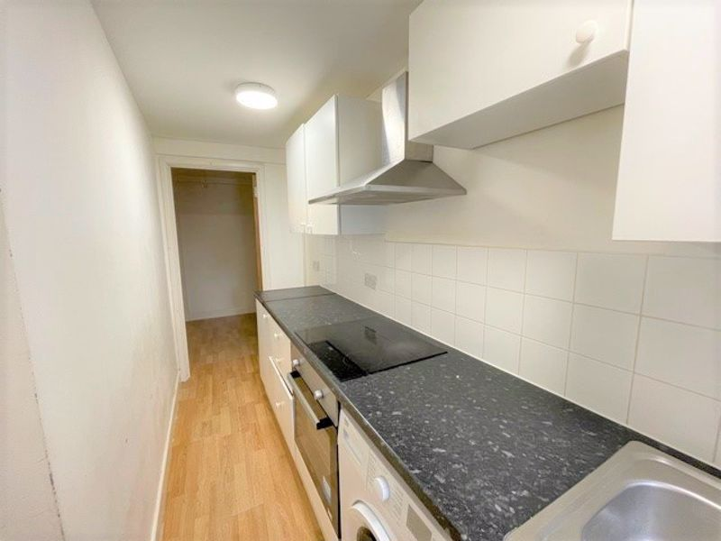***AVAILABLE IMMEDIATELY***<br/><br/>A one bedroom studio/apartment in the heart of Maidstone town centre. The property features wooden flooring throughout, modern white gloss kitchen with oven/hob, fridge/freezer, washing machine. There is also a large shower room with a white basin cabinet. <br/><br/>Located in central Maidstone Town Centre, local Train Stations and Lockmeadow Complex are a short walk away making this flat a prime location for local amenities and commuting into London. <br/><br/>Available Immediately<br/><br/>Unfurnished<br/><br/>Council Tax Band A<br/><br/>