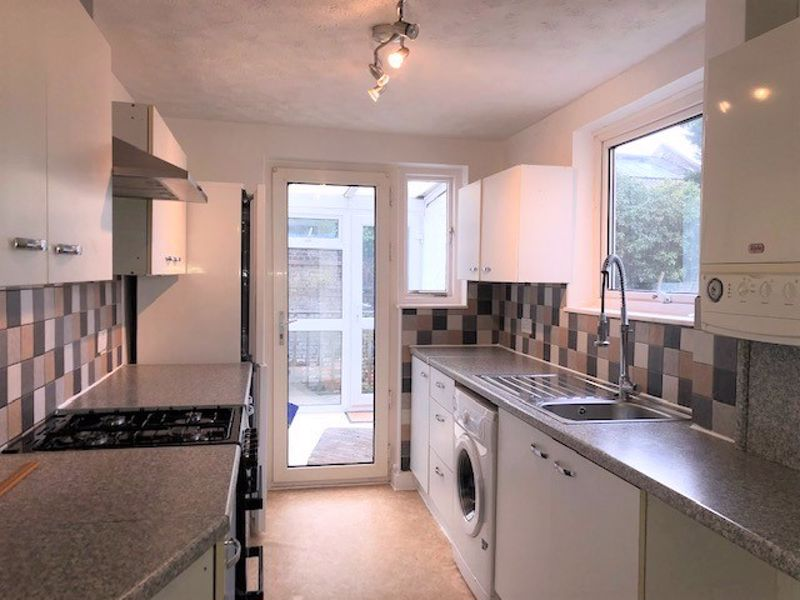 2 bed house to rent in Melville Road, Maidstone  - Property Image 1