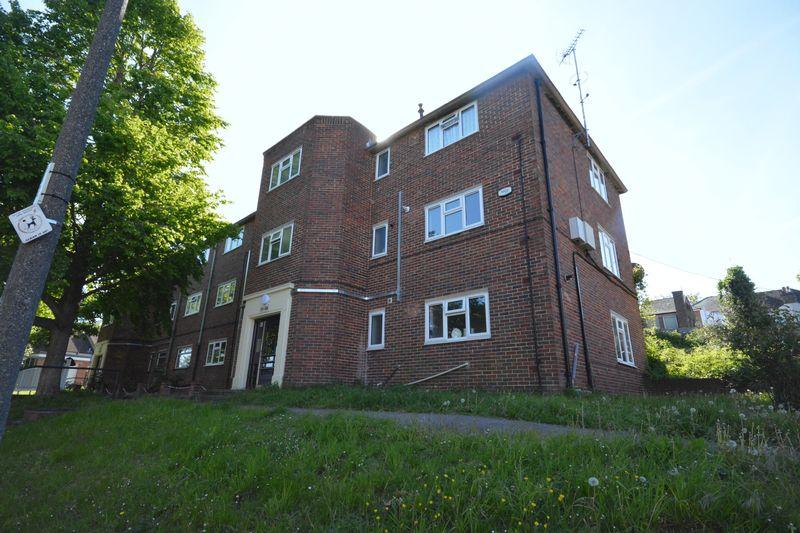 Cordelia Crescent, Borstal, Rochester, Kent, ME1 3JB