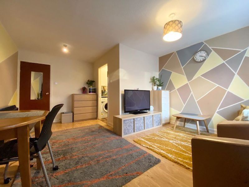 1 bed flat to rent in Bank View, Tovil - Property Image 1
