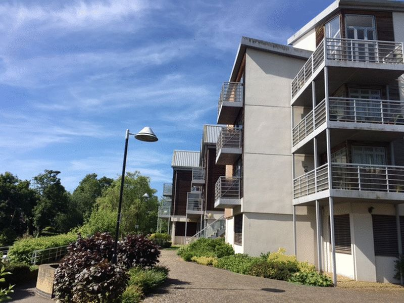 Flat to rent in Kingfisher Meadows, Maidstone  - Property Image 1