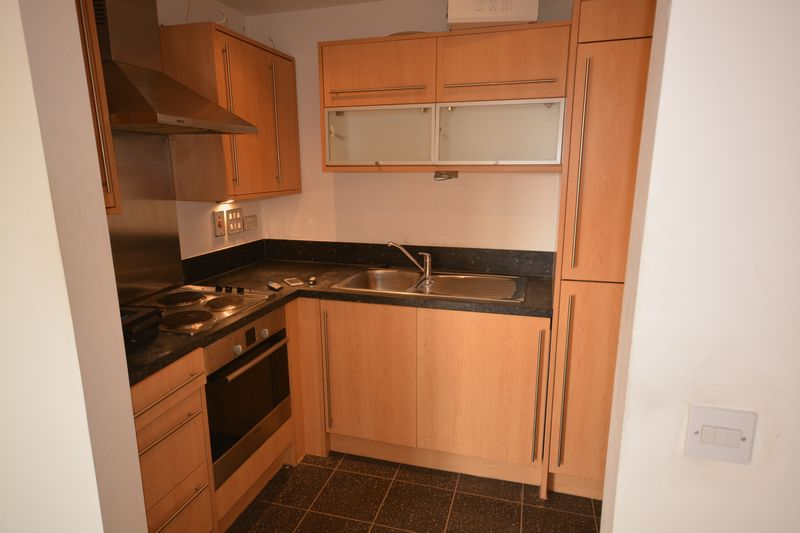 <strong>A MODERN ONE BED APARTMENT</strong> within walking distance of Maidstone town centre.<br/><br/>Featuring an open plan lounge kitchen with oven/hob, fridge/freezer & washing machine, a double bedroom leading out onto the balcony plus a bathroom with overhead shower. There is also electric heating, double glazing, secure gated parking space and entry phone system.<br/><br/>On your doorstep you have various stores such as ASDA Living, The Range. T K Maxx and a Lidls supermarket. Plus, in the centre, a large selection of high street & boutique shops, a full range of restaurants & cafes. Great transport links with easy access to the M20, A20 & A229, three train stations and several bus routes.<br/><br/>Available early November<br/><br/>Unfurnished <br/><br/>EPC Rating C<br/><br/>Council Tax Band C <br/><br/>Additional £25pcm for Water Rates <br/><br/>
