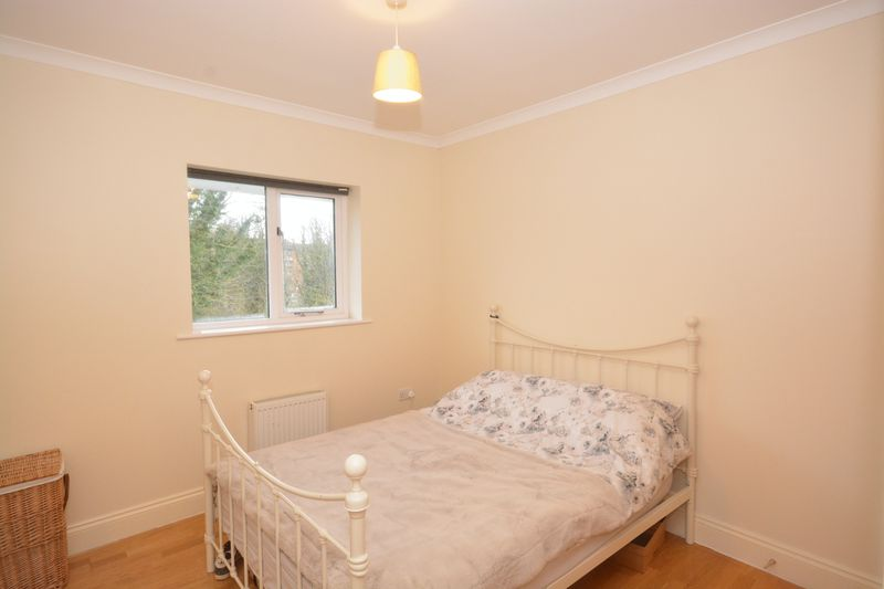 2 bed flat for sale in Buckland Rise, Maidstone 5