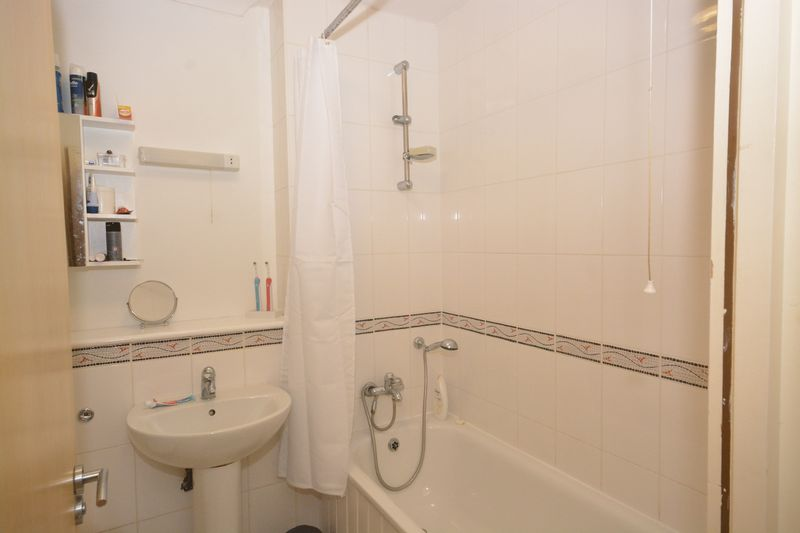 2 bed flat for sale in Buckland Rise, Maidstone 8