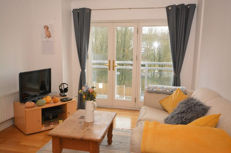 2 bed flat for sale in Buckland Rise, Maidstone  - Property Image 5
