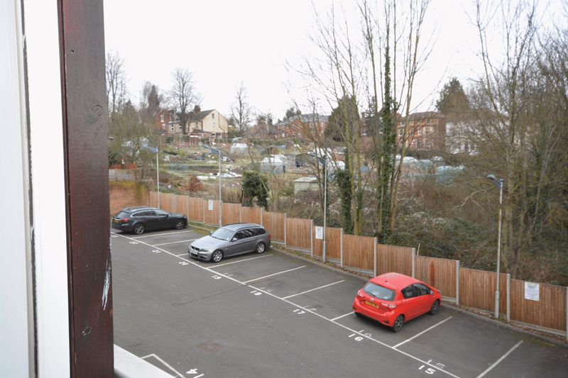 2 bed flat for sale in Buckland Rise, Maidstone  - Property Image 3