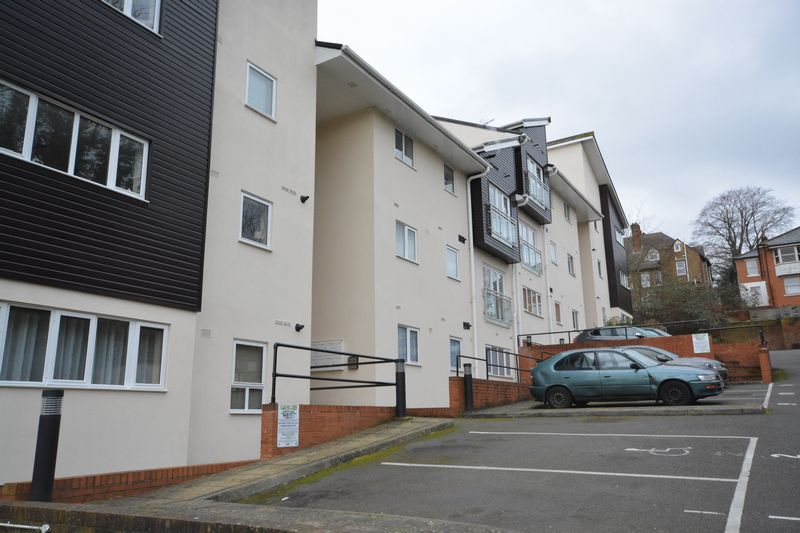 2 bed flat for sale in Buckland Rise, Maidstone  - Property Image 10