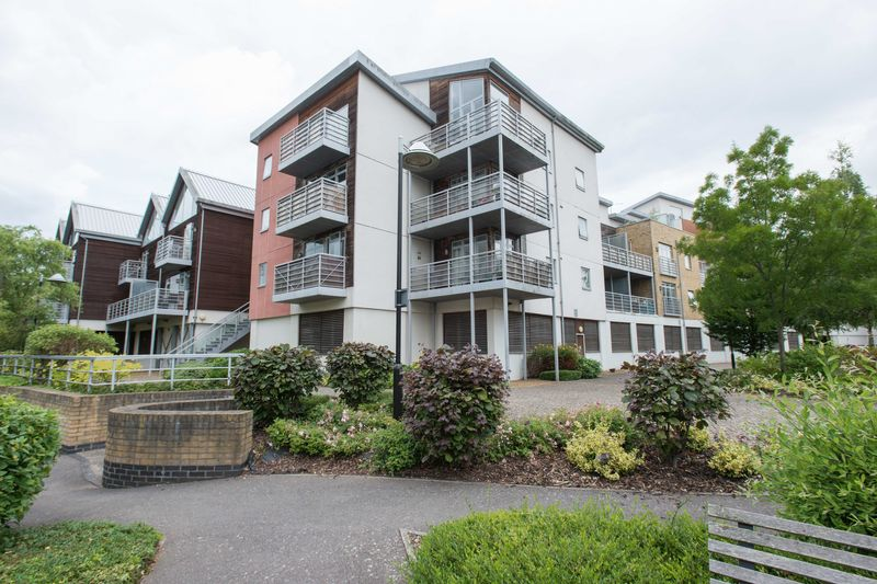 2 bed flat for sale in Kingfisher Meadow, Maidstone 9