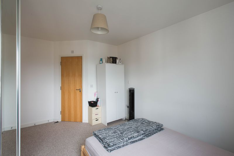 2 bed flat for sale in Kingfisher Meadow, Maidstone 7