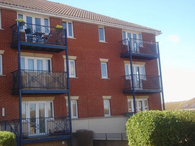 2 bed flat for sale in Florin Drive, Rochester  - Property Image 1