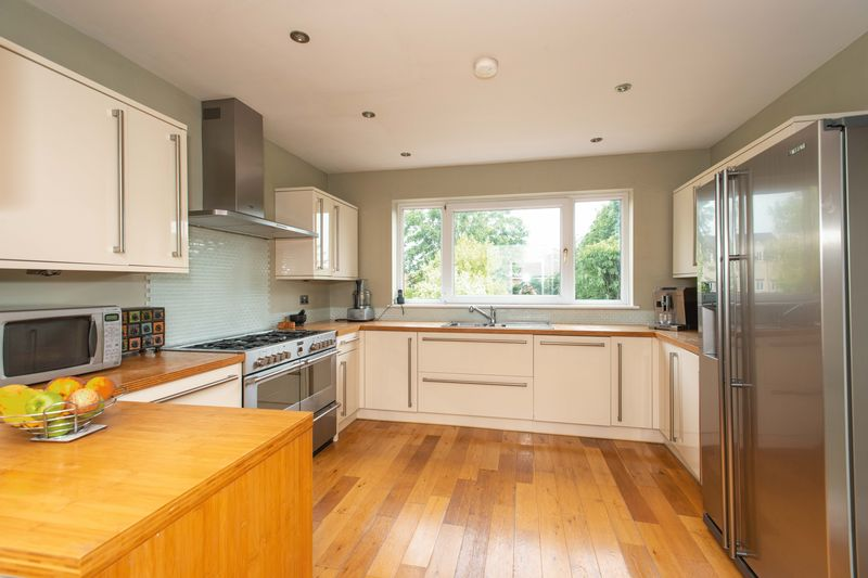 4 bed house for sale in Tonbridge Road, Maidstone 3