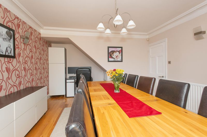 4 bed house for sale in Tonbridge Road, Maidstone 1
