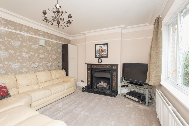 4 bed house for sale in Tonbridge Road, Maidstone - Property Image 1