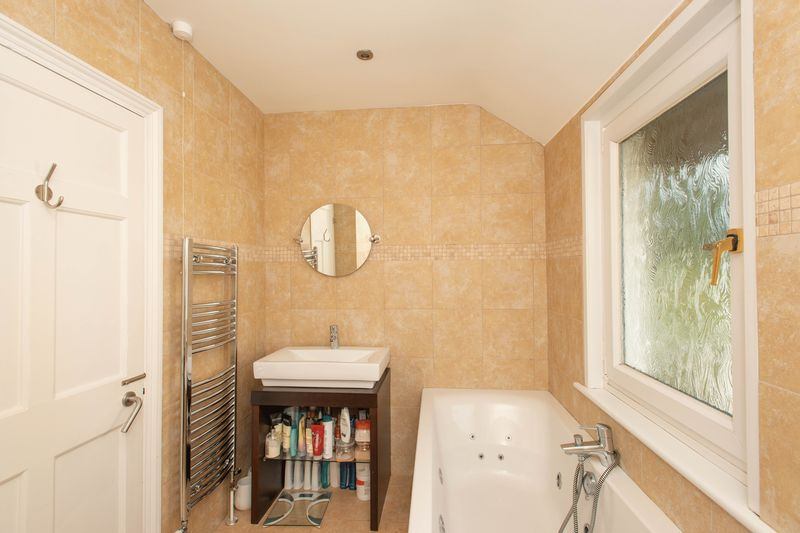 4 bed house for sale in Tonbridge Road, Maidstone  - Property Image 15