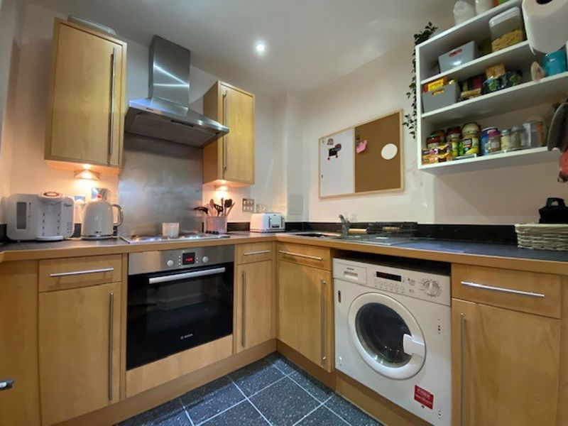 1 bed flat for sale in Kingfisher Meadows, Maidstone 5