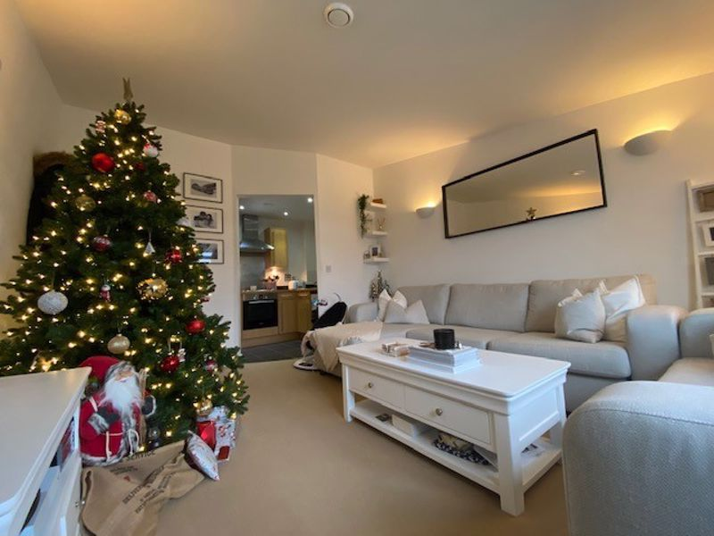1 bed flat for sale in Kingfisher Meadows, Maidstone - Property Image 1