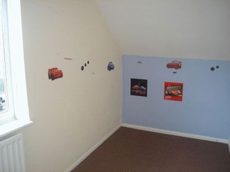 3 bed flat for sale in Canterbury Street, Gillingham 3