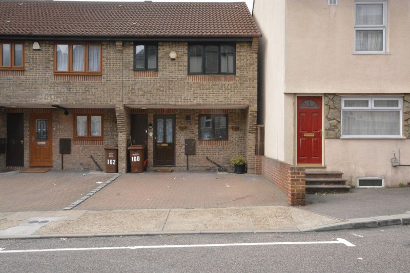 3 bed house for sale in Upper Luton Road, Chatham  - Property Image 1