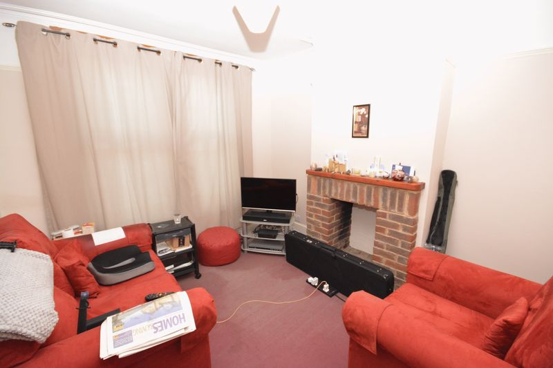 2 bed house for sale in Dale Street, Chatham 5