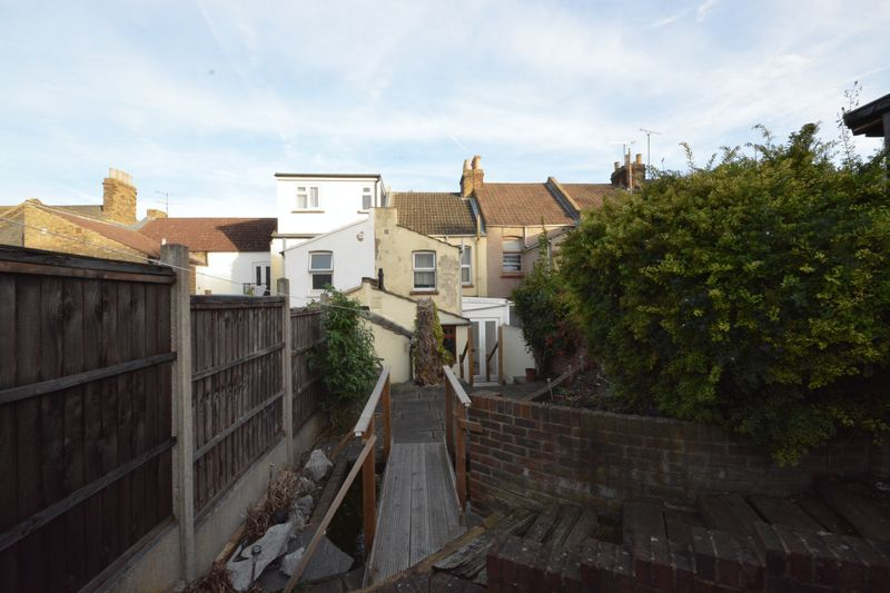 2 bed house for sale in Dale Street, Chatham  - Property Image 9