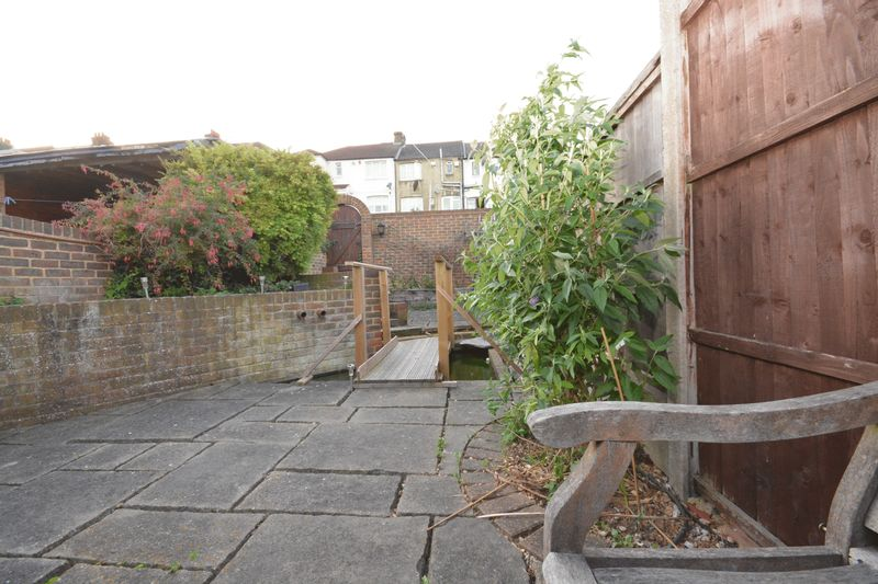 2 bed house for sale in Dale Street, Chatham  - Property Image 8