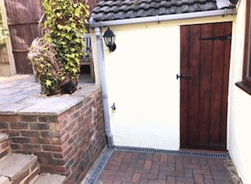 2 bed house for sale in Dale Street, Chatham 6