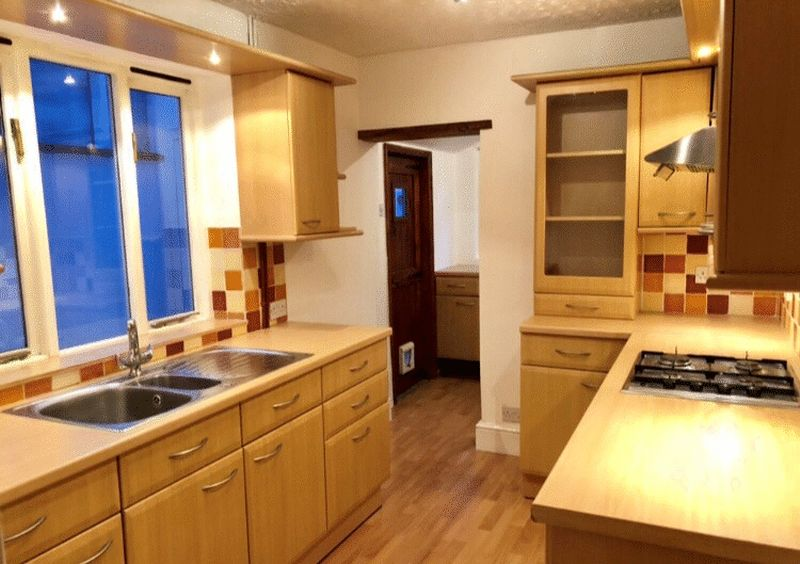 2 bed house for sale in Dale Street, Chatham 1