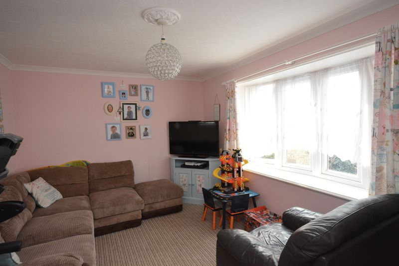 2 bed flat for sale in Jennifer Court, Stoke Road, Rochester 1
