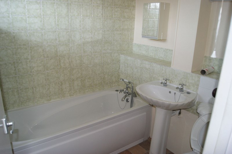 Flat for sale in Elizabeth House, Maidstone  - Property Image 4