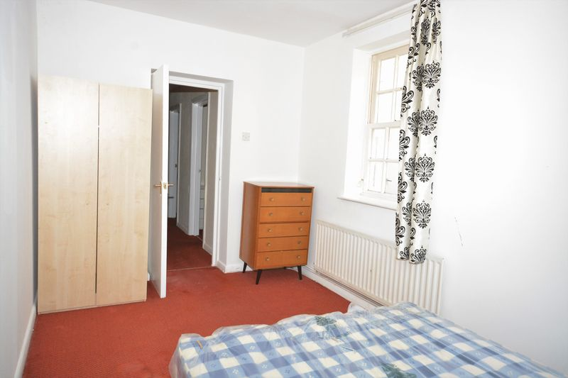 2 bed flat for sale in Ordnance Terrace, Chatham  - Property Image 6