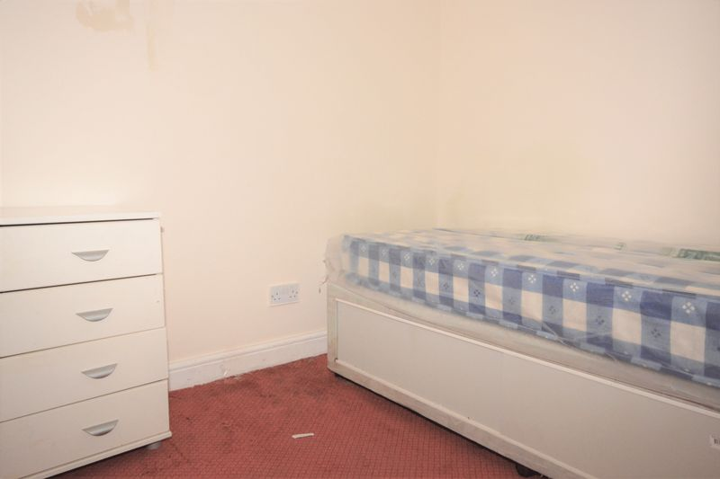 2 bed flat for sale in Ordnance Terrace, Chatham 6