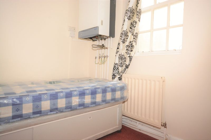 2 bed flat for sale in Ordnance Terrace, Chatham  - Property Image 8