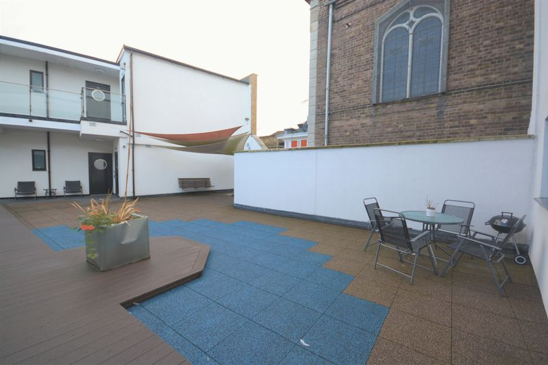 1 bed flat for sale in St. Faiths Street, Maidstone 8