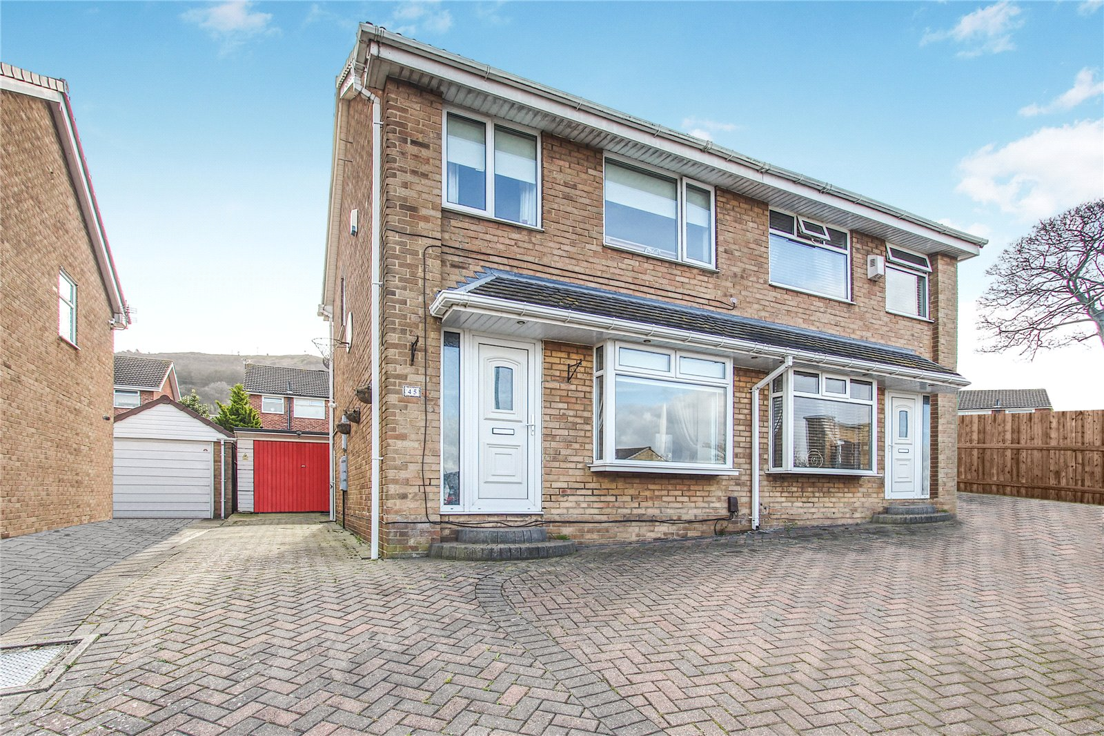3 bed house for sale in Meadowgate, Eston  - Property Image 1