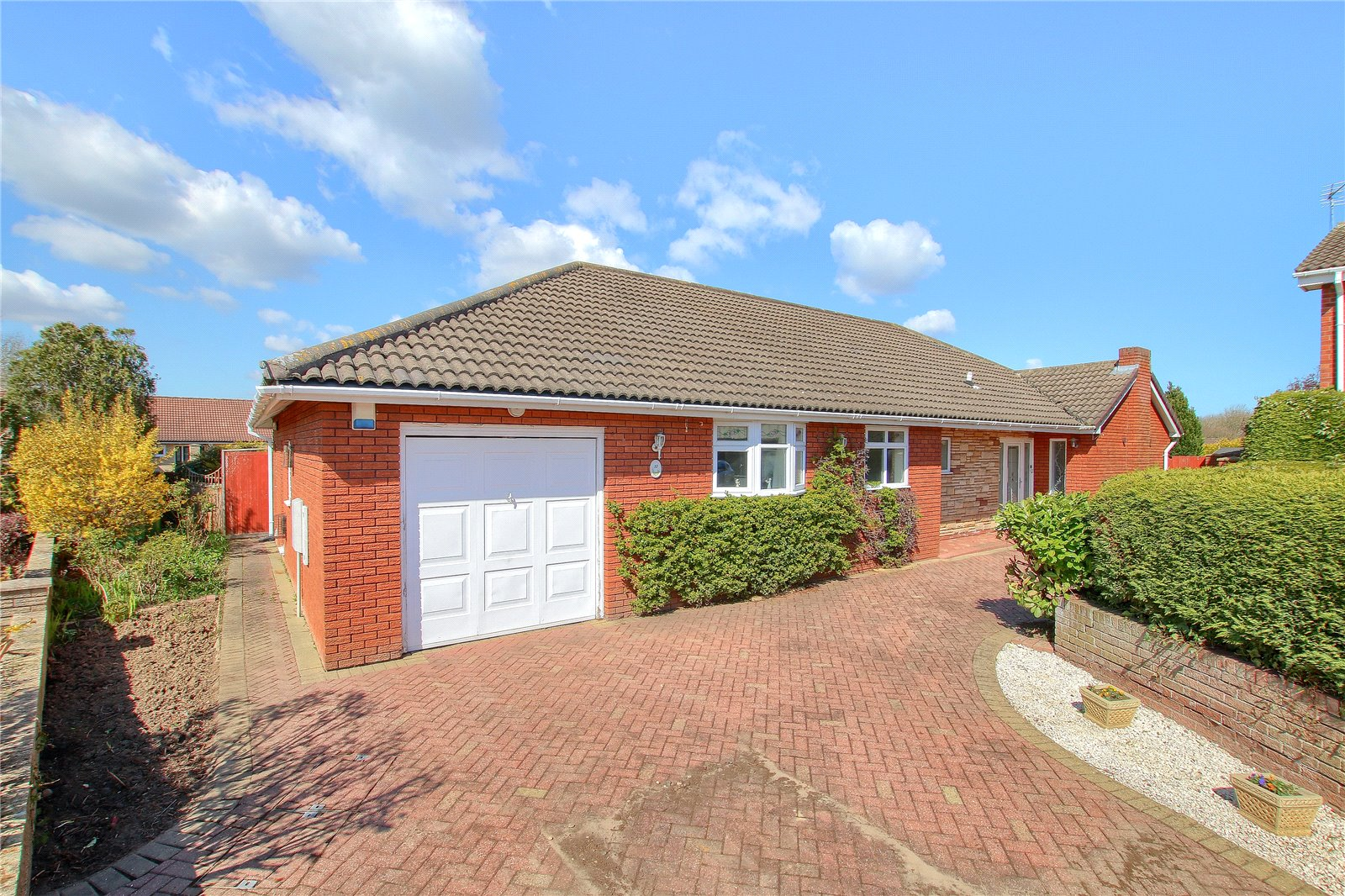 4 bed bungalow for sale in Thorn Side, Ingleby Barwick  - Property Image 1