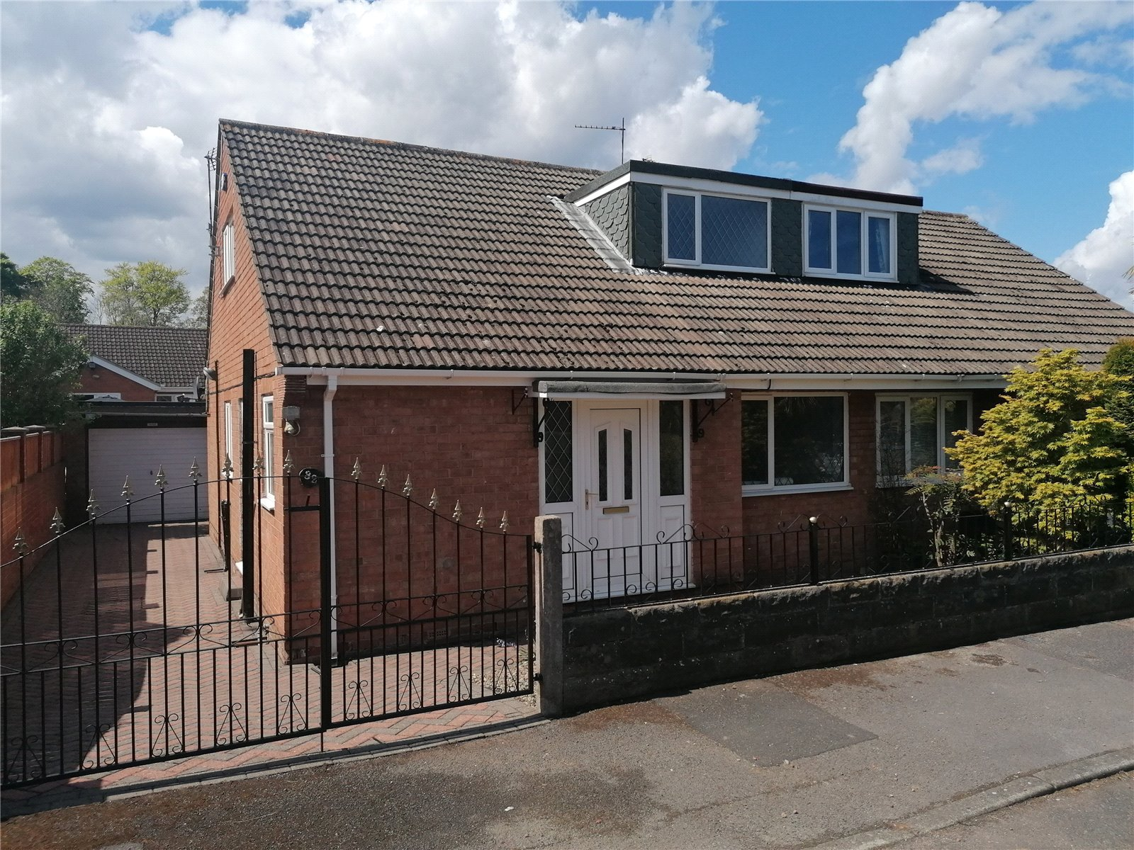 3 bed bungalow to rent in Forest Drive, Ormesby 1