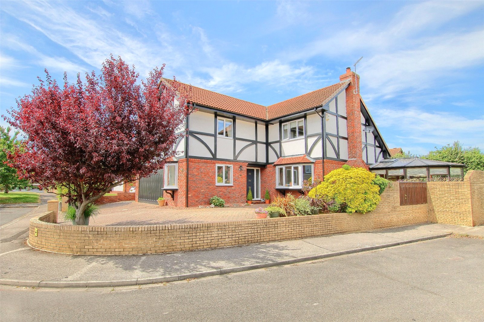 5 bed house for sale in Chalfield Close, Ingleby Barwick - Property Image 1