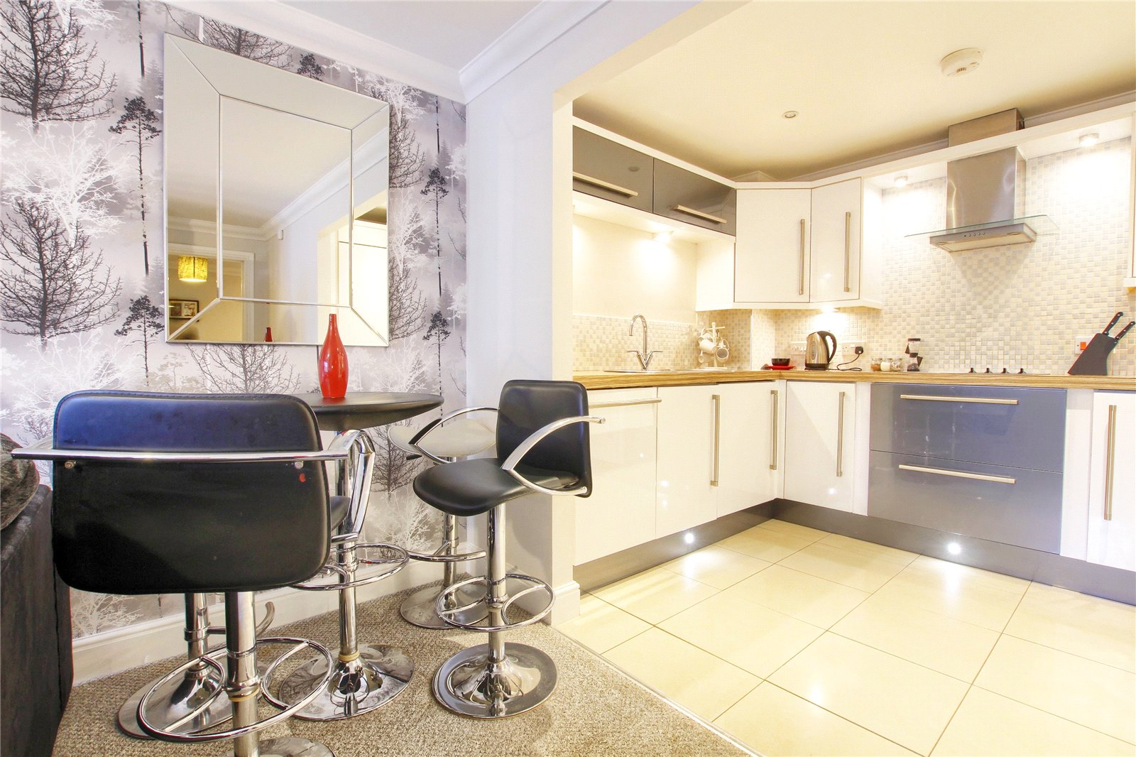 2 bed for sale in Belgravia Gardens, The Avenue  - Property Image 4