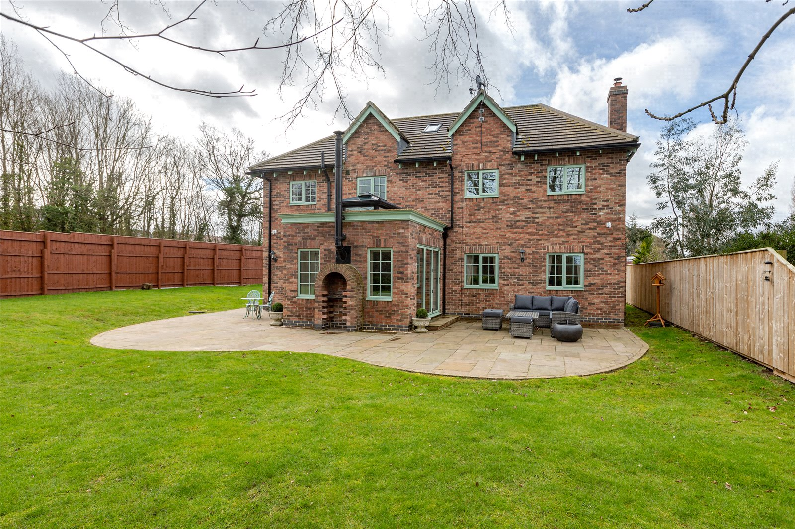 6 bed house for sale in Ladgate Lane, Middlesbrough  - Property Image 2