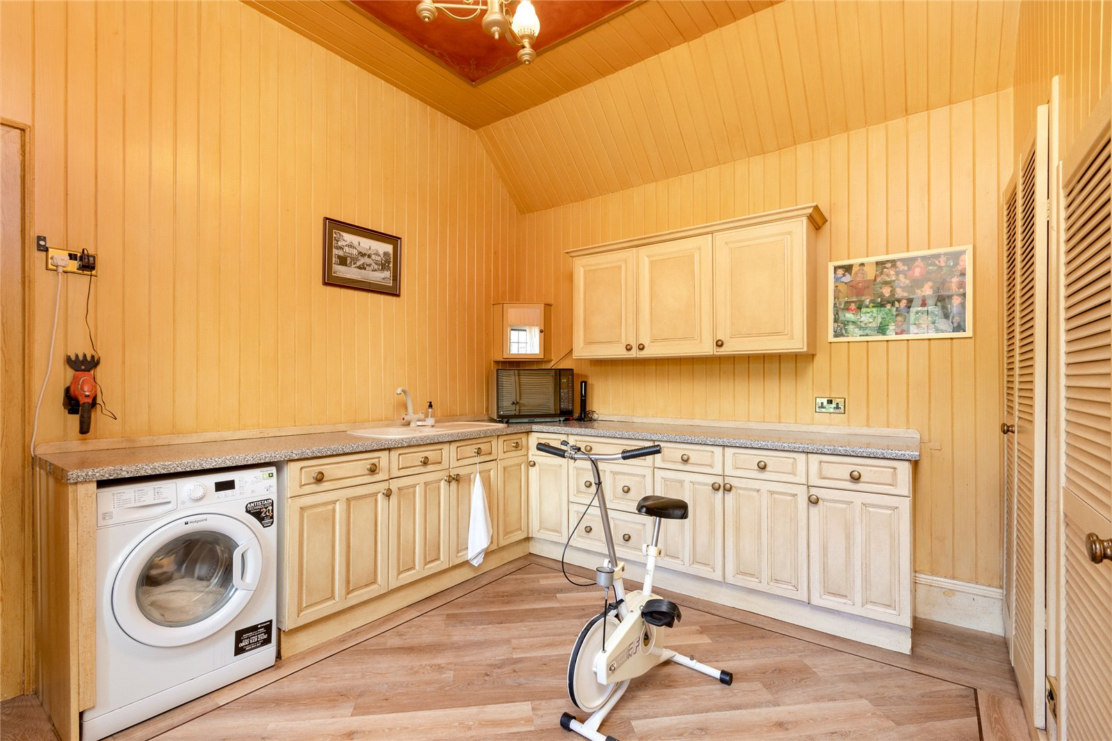 9 bed house for sale in Church Lane, Ormesby  - Property Image 17