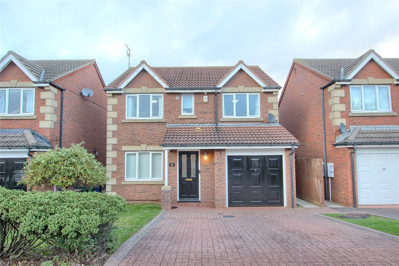 4 bed house for sale in Trevarrian Drive, Redcar  - Property Image 1