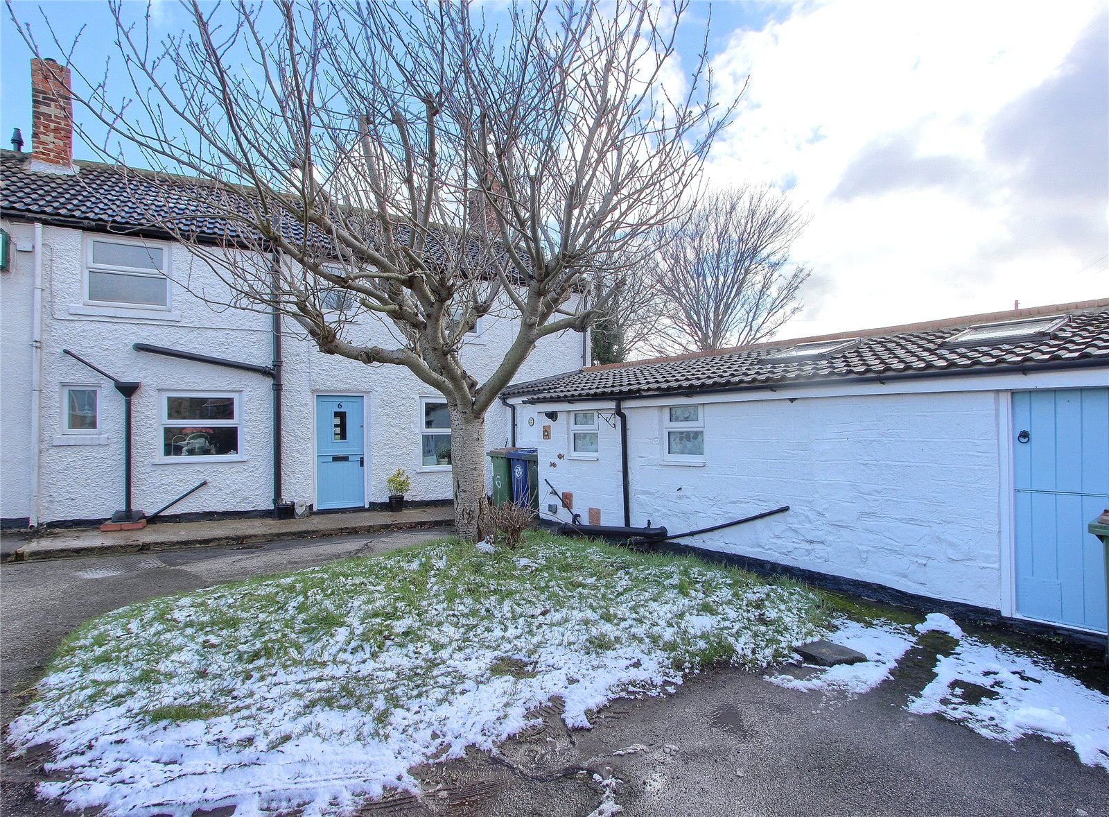 4 bed house for sale in Scrafton Place, Marske-by-the-Sea - Property Image 1