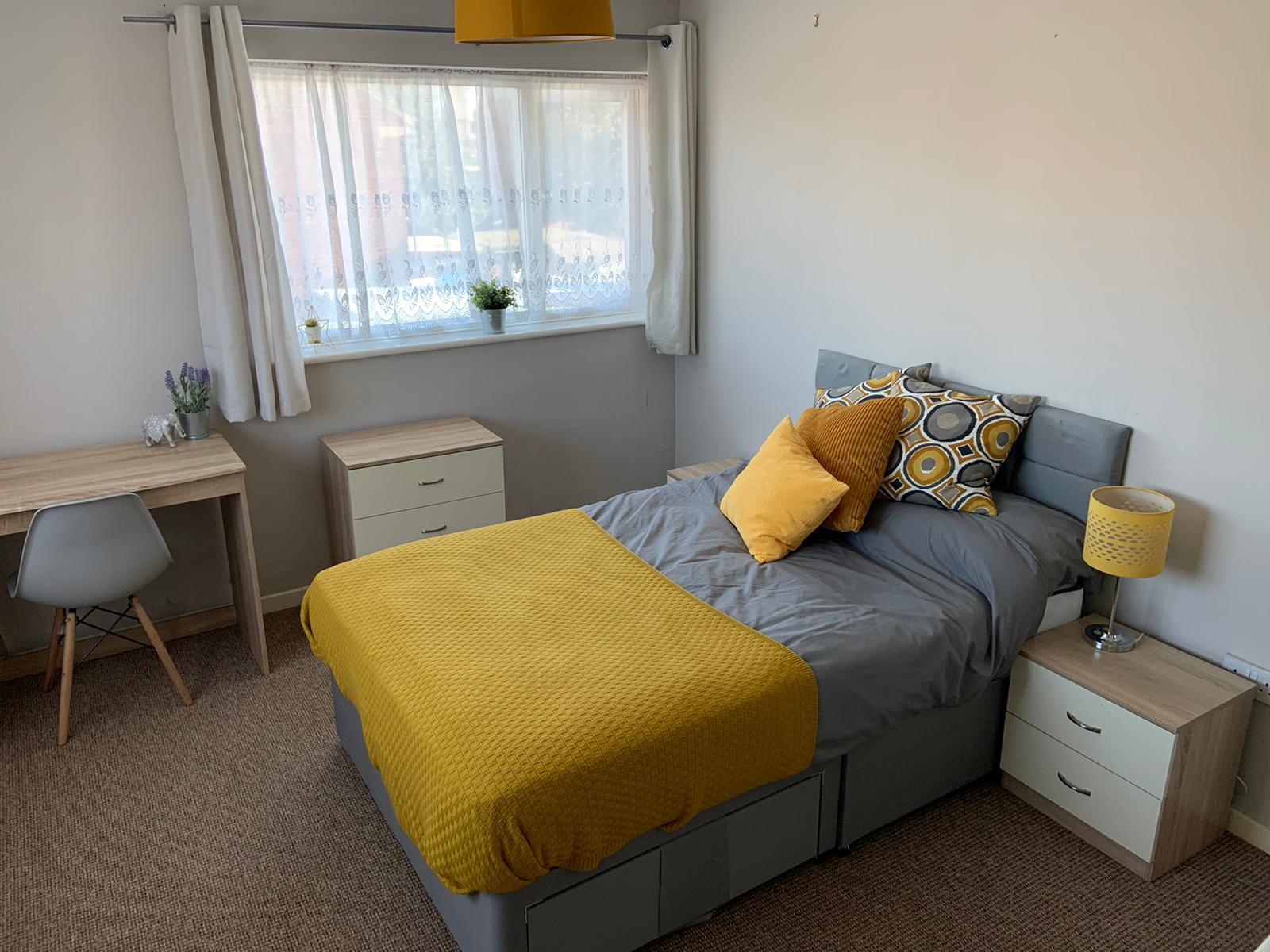 1 bed flat to rent in Room 7 High Dewar Road Rainham, Gillingham, ME8